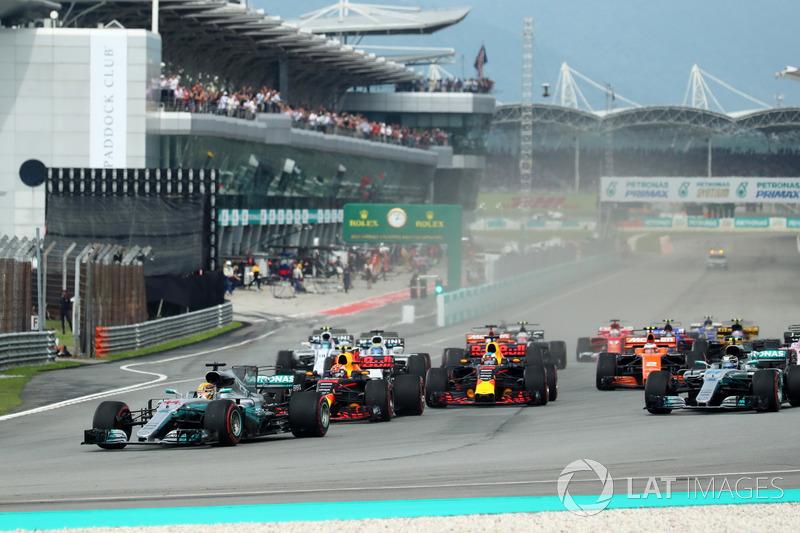 Partenza, Lewis Hamilton, Mercedes-Benz F1 W08 al comando