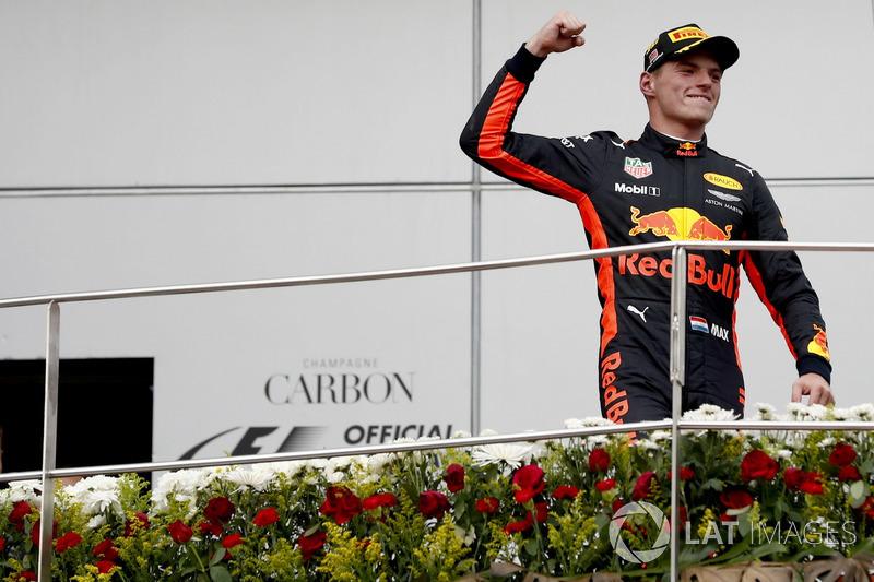 Pemenang balapan, Max Verstappen, Red Bull Racing,