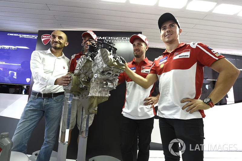 Claudio Domenicali, CEO Ducati, Andrea Dovizioso, Ducati Team, Michele Pirro, Ducati Team, Jorge Lorenzo, Ducati Team, Ducati V4 road engine launch