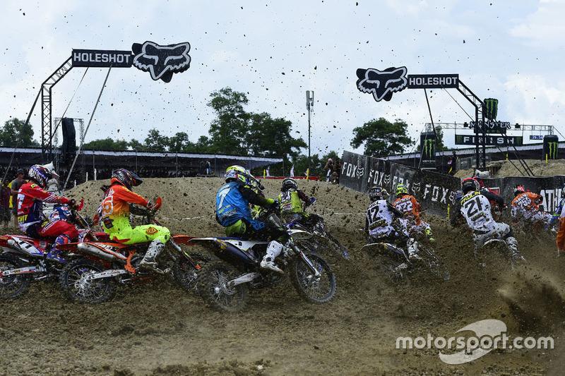Start Race 1 MXGP Indonesia