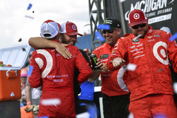1. Kyle Larson, Chip Ganassi Racing Chevrolet, mit Crewchief Chad Johnston