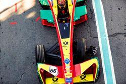 Daniel Abt, ABT Schaeffler Audi Sport, retuns to the pits with a damaged wheel