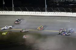 Incidente: Stewart Friesen, Chevrolet; John Hunter Nemechek, SWM-NEMCO Motorsports Chevrolet; Ross C