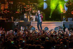 Tarkan in concert