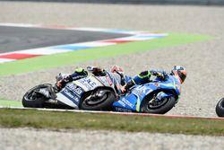Эктор Барбера, Avintia Racing, и Алекс Ринс, Team Suzuki MotoGP