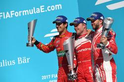 Podio:  Lucas di Grassi, ABT Schaeffler Audi Sport, Felix Rosenqvist, Mahindra Racing, y Nick Heidfeld, Mahindra Racing