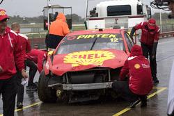 Voiture de Fabian Coulthard, Team Penske Ford après son accident.