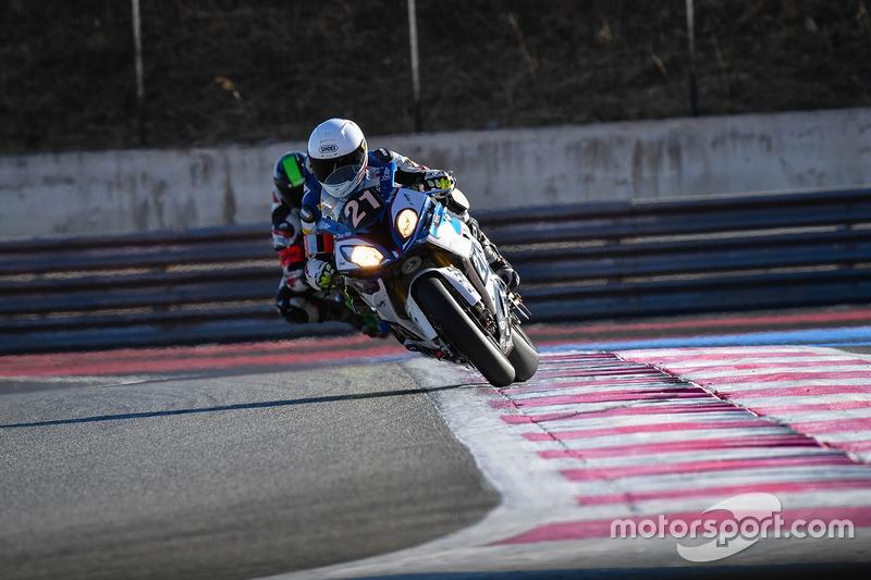 8. #21 IV Racing BMW CSEU, BMW: Karel Hanika, Fabrizio Lai, Julian Mayer, Martin Choy