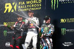 Podio: ganador de la carrera Mattias Ekström, EKS RX, segundo lugar Timo Scheider, MJP Racing Team Austria, tercer lugar Andreas Bakkerud, Hoonigan Racing Division