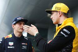 Nico Hülkenberg, Renault Sport F1 Team; Max Verstappen, Red Bull