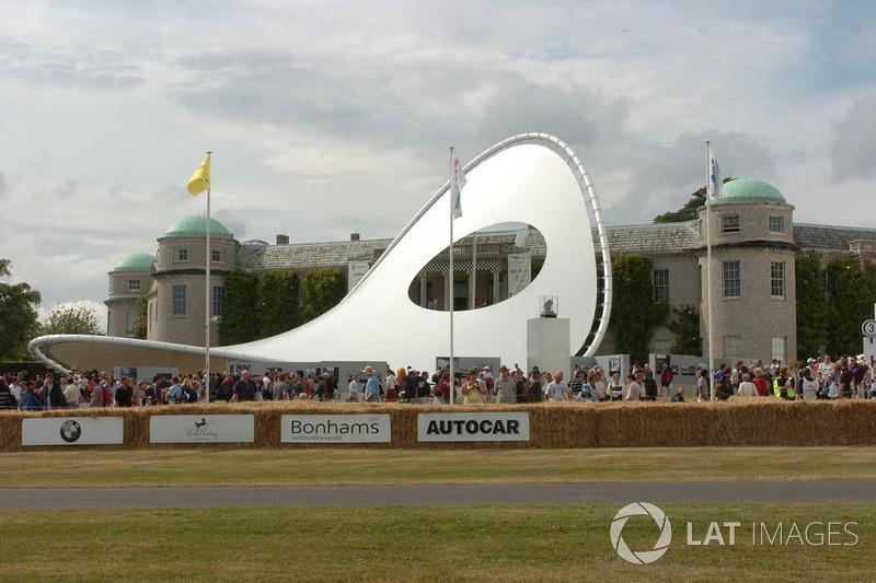Sculpture Renault à Goodwood