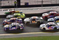 Chase Elliott, Hendrick Motorsports Chevrolet, Denny Hamlin, Joe Gibbs Racing Toyota, Paul Menard, R