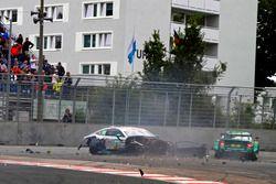 Gary Paffett, Mercedes-AMG Team HWA, Mercedes-AMG C63 DTM és Mike Rockenfeller, Audi Sport Team Phoenix, Audi RS 5 DTM