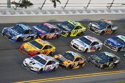 Clint Bowyer, Stewart-Haas Racing Ford, Joey Logano, Team Penske Ford, Danica Patrick, Stewart-Haas