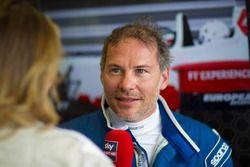 Jacques Villeneuve pilote la biplace