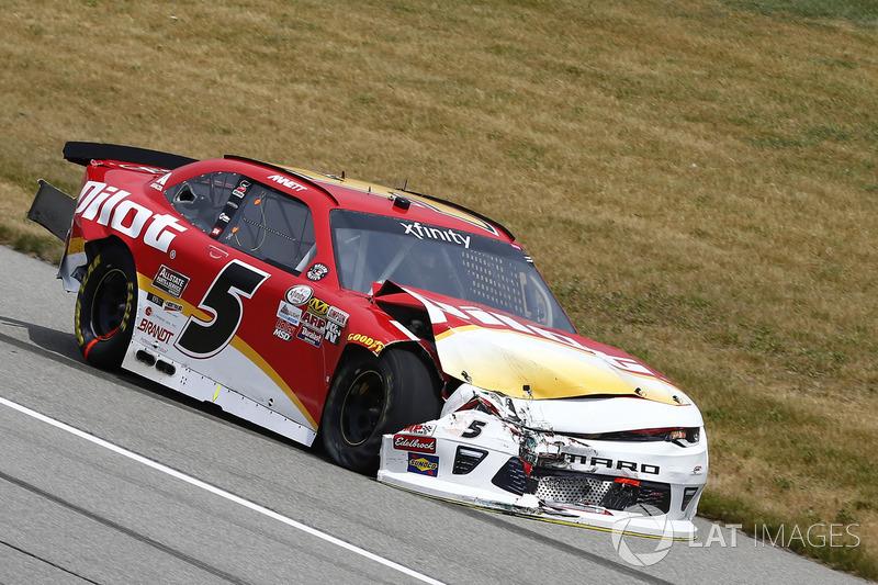 Поврежденный в аварии автомобиль Майкла Аннетта, JR Motorsports Chevrolet