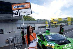 Gridgirl, #63 GRT Grasser Racing Team, Lamborghini Huracán GT3: Rolf Ineichen, Christian Engelhart