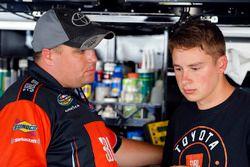 Christopher Bell, Kyle Busch Motorsports Toyota, mit Ryan Fugle