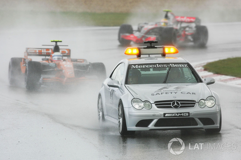 Markus Winkelhock, Spyker F8 VII leads behind the Safety Car.