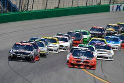 Ryan Blaney, Team Penske Ford, Erik Jones, Joe Gibbs Racing Toyota