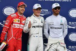 Polesitter Valtteri Bottas, Mercedes AMG F1, Sebastian Vettel, Ferrari, Lewis Hamilton, Mercedes AMG