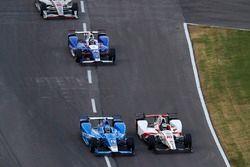 Tony Kanaan, Chip Ganassi Racing Honda Tristan Vautier, Dale Coyne Racing Honda