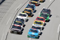 Aric Almirola, Biagi-DenBeste Racing Ford, Erik Jones, Joe Gibbs Racing Toyota