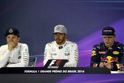 The FIA Press Conference (L to R): Nico Rosberg, Mercedes AMG F1, second; Lewis Hamilton, Mercedes A