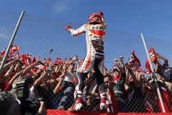 Marc Marquez, Repsol Honda Team, avec des fans