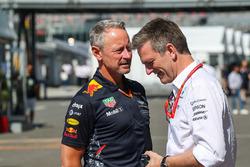 Jonathan Wheatley, team manager de Red Bull Racing et James Allison, directeur technique Mercedes AMG F1