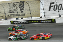Darrell Wallace Jr., Biagi-DenBeste Racing Ford, Kyle Larson, Chip Ganassi Racing Chevrolet, Blake K