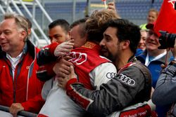 Ganador, René Rast, Audi Sport Team Rosberg, Audi RS 5 DTM con su equipo