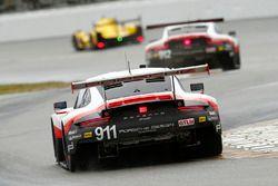 #911 Porsche Team North America, Porsche 911 RSR: Patrick Pilet, Dirk Werner, Frederic Makowiecki;