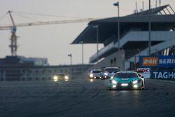 رقم 21 فريق كونراد موتورسبورت لامبورغيني: فرانز كونراد ولوكا ستولتز ومارك باسينغ وماركو مابيلي وجولز