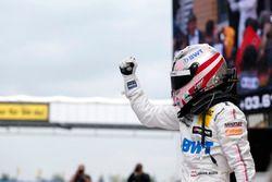 Ganador de la carrera Lucas Auer, Mercedes-AMG Team HWA, Mercedes-AMG C63 DTM