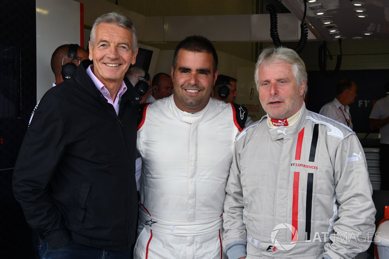 Tony Gardine, Zsolt Baumgartner, F1 Experiences 2-Seater driver and Kevin Eason, F1 Experiences 2-Seater passenger