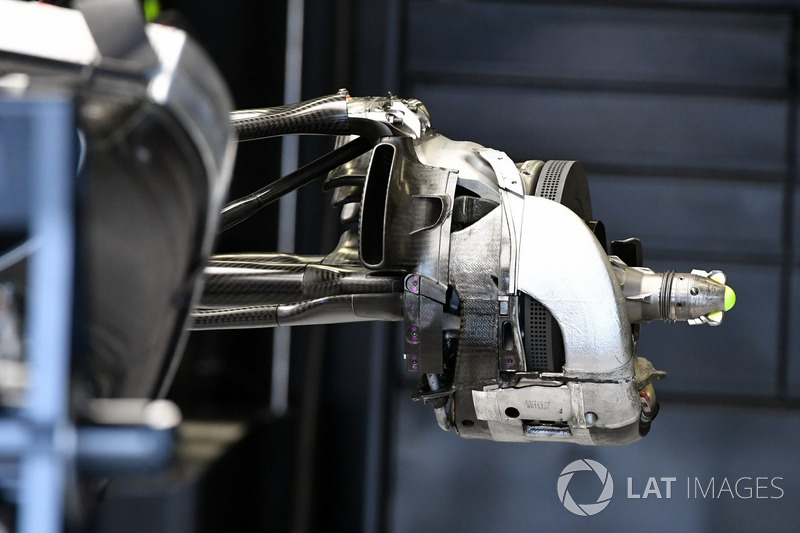 Mercedes-Benz F1 W08 rear wheel hub detail