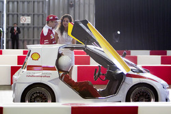 Kimi Raikkonen, Ferrari y Giselle Zarur Maccise reportera F1 Latinoamerica en el Shell Eco-marathon
