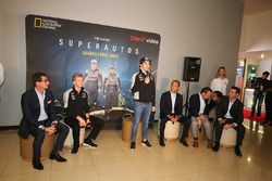 Nico Hülkenberg, Sahara Force India F1; Sergio Perez, Sahara Force India F1; Carlos Slim Domit; Gäst