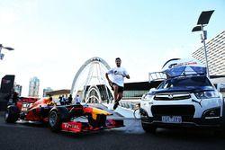 Daniel Ricciardo, Red Bull Racing court sur le Seafarers Bridge