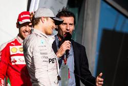 Podium : le vainqueur Nico Rosberg, Mercedes AMG F1 Team, le troisième, Sebastian Vettel, Ferrari et Mark Webber, pilote Porsche en WEC et consultant Channel 4