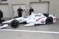 Presentación de Schmidt Peterson Motorsports del auto de Oriol Servia