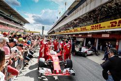 La Ferrari SF16-H dans les stands