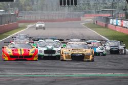 Race 2 start action