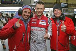 Polesitters Marcel Fässler, Andre Lotterer, Benoit Tréluyer, Audi Sport Team Joest