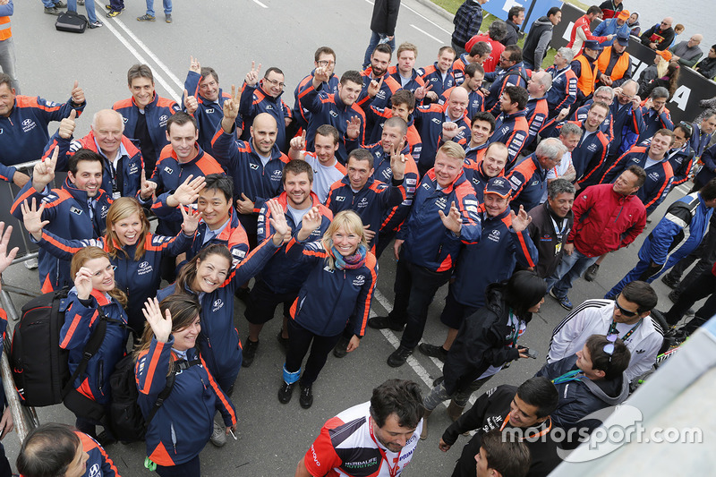Hyundai Motorsport team celebrates victory
