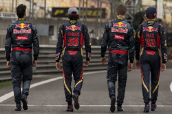 Daniel Ricciardo, Red Bull Racing; Daniil Kvyat, Red Bull Racing; Max Verstappen, Scuderia Toro Ross