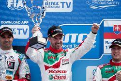 Le vainqueur, Tiago Monteiro, Honda Racing Team JAS, Honda Civic WTCC