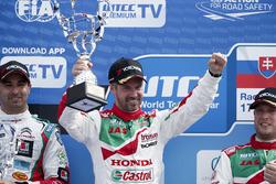 Yarış galibi: Tiago Monteiro, Honda Racing Team JAS, Honda Civic WTCC