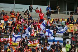 Fans von Kimi Räikkönen, Ferrari, und Sebastian Vettel, Ferrari